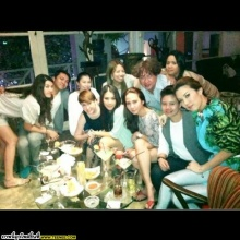 อัพเดต อั้ม พัชราภา กับแก็งค์เพื่อน จาก instagram