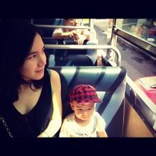 น่ารักพลอย ชิดจันทร์ พาลูกนั่งรถเมล์ชมเมือง