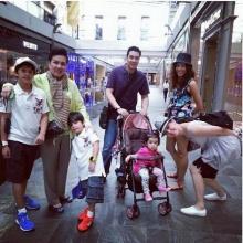 ภาพบ้านปุณกันต์ยกครอบครัวบินเที่ยวสิงคโปร์