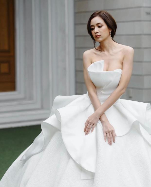 ข่าวดี?! เบนซ์ ปุณยาพร สวยออร่า ในชุดเจ้าสาวสีขาว