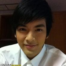 บอม ธนิน (คุณชายรัชชานนท์) กลับไปเยี่ยมโรงเรียนเก่าชลบุรี
