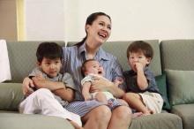 แม่แหม่ม กับ สามหน่อแมค-คิน-เนซ น่ารักเวอร์!