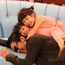 Pic :  โจ๊ค โซคูล พาลูกสาวมาถ่ายรายการ น่ารักจัง