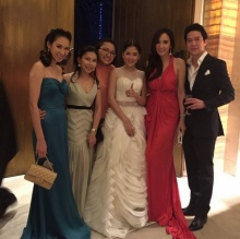 Pic : สาวอั้ม พัชราภา กับเดรสสุดแซ่บ ในงานแต่งงานเพื่อน