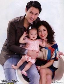 พอลล่่่า กับ สามีเเละลูกน้อย เเฟชั่นครอบครัวครั้งเเรก :)