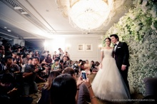 ภาพสุดหวานงานแต่ง  ทิม พิธา-ต่าย ชุติมา
