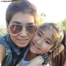 Pic : ภาพความสุขครอบครัวนักแข่ง พีท ทองเจือ