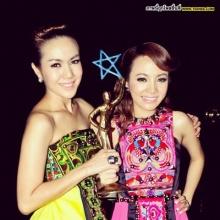 Pic : นิว - จิ๋ว คู่ซี้สองสาวเสียงสวย!!