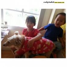 Pic : คุณแม่คนเก่งตุ๊ก ชนกวนันท์ กับสองลูกน้อยน่ารัก