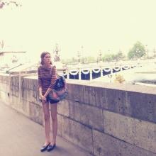 Pic : เอสเธอร์ สุปรีย์ลีลา นางร้ายหน้าใหม่ ชิลชิล ณ ปารีส