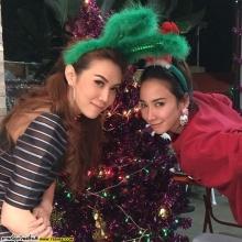 Pic : อั้ม พัชราภา กับปาร์ตี้วันคริสมาสต์กับเพื่อนสนิทสุดเลิฟ