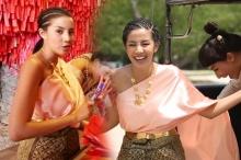 ใบเตย อาร์สยาม สลัดภาพเซ็กซี่ใส่ชุดไทย