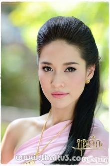แม่หญิงพลอยจากขุนศึกงามอย่างไทย