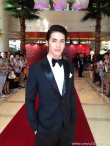 แอฟ  - สน บนพรมแดง Shanghai  Film Festival ครั้งที่ 15