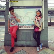Pic : แอม - หยก ควงเที่ยวฮ่องกงกันหวาน!!