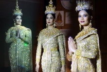 อวดโฉมครั้งแรก ชุดประจำชาติไทย ลุยเวที Miss Univers 2016 (คลิป)!!