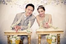 ชมภาพชุดแป้ง-ผู้กองต้อมแต่งงานชื่นมื่น