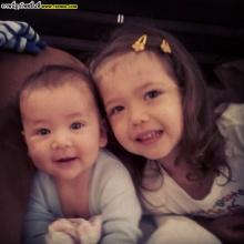Pic : น่ารักกับสองลูกน้อยของซินดี้ เลล่า - เอเดน
