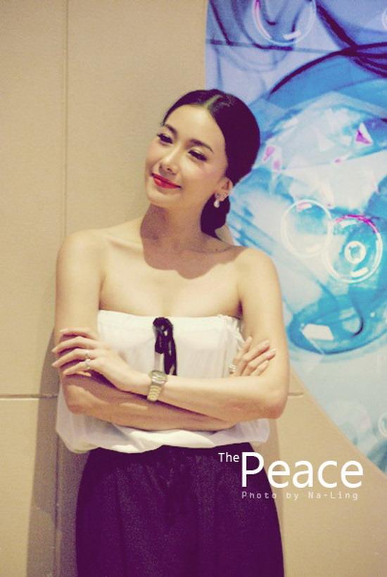 555903 คุณนาย นุ่น วรนุช สวยเจิด ณ งานเปิดตัวคอนโด