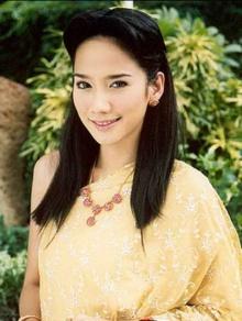 Pic : อั้ม พัชราภา สวยเลอค่ากับชุดไทยๆ