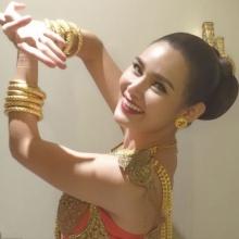 Pic : หญิง รฐา สวยงดงามในชุดไทย