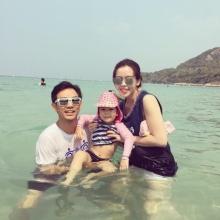 อบอุ๊น อบอุ่น !! พ่อมอส - แม่เกมส์ พา น้องโสน เล่นน้ำทะเลสุดลัลล้า