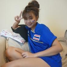 เห็นกันยัง ! นักบอลทีมชาติไทย หวานใจ เนย ซินญอริต้า