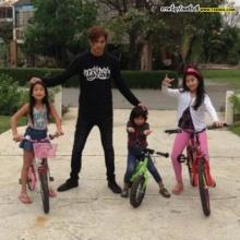 Pic : แอบดูครอบครัวนักซิ่ง พีท ทองเจือ