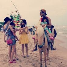 ตาม ครอบครัว บร๊ะเจ้าโจ๊ก ไปเที่ยวทะเล