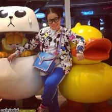 Pic : ตุ๊กกี้ กับบรรดาแก๊งค์เพื่อน ตะลุยฮ่องกง