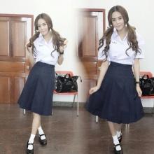 สาวเซ็กซี่ อุ้ม ลักขณาขอแบ๊ว ในชุดนักเรียน