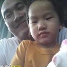 pic:: พ่อบ๊วย กับลูกๆทั้ง 2