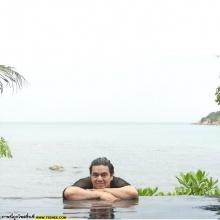 อัพเดทภาพ เอ ศุภชัย ผู้จัดการซุปตาร์ กับลีลาในสระว่ายน้ำ