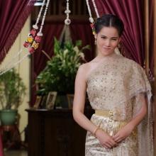 Pic : ญาญ่า อุรัสยา หวานน่ารักในชุดไทย