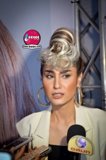 Pic : ขวัญ อุษามณี กับทรงผมสุดเริ่ด ณ งาน Hairworld festival 2014