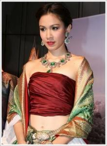 Pic : กบ สุวนันท์ งามอย่างไทย สวยสะพรึง