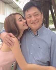 Pic : มีน พีชญา - คุณพ่อ หวานฟรุ้งฟริ้ง น่ารักอ่ะ
