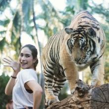 Pic : พลอย เฌอมาลย์ กับทริปเที่ยวสวนสัตว์ สวยใสเว่อร์