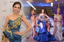 สวยอลังเวอร์!! ฝ้าย นำทีม Miss Grand Thailand ในชุดแฟชั่นโชว์ผ้าไทย