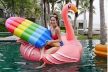 ส่องวันพักผ่อน ของ แพนเค้ก กับ ชุดว่ายน้ำ สดใส กลางสระ!!