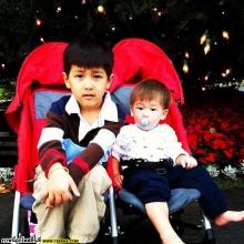 อัพเดต รูปน่ารักๆ น้องแมค+น้องคิน ลูกแม่แหม่ม