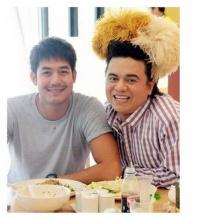 pic:: เอ ศุภชัย กับ ซุปตาร์ในสังกัด