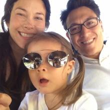 pic :: สาวยิ้มสวย พอลล่า กับ ครอบครัวสุดอบอุ่น