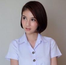 ปัง ปัง ปัง !! น้องโยชิ สวมชุดนักศึกษาแล้วน่ารักขนาดนี้