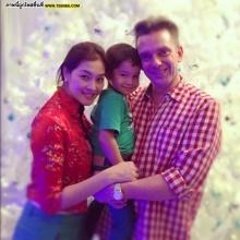 Pic : ครอบครัวสุดน่ารัก ลูกเกด เมทินี ต้อนรับคริสมาสต์