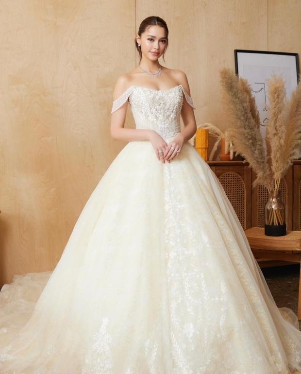 แพทริเซีย สวยแซ่บออร่าฟุ้งในชุดแต่งงาน เป๊ะไร้ที่ติ ภาพนี้พี่โน๊ต เห็นยัง?