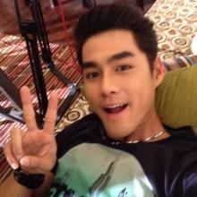 เพ็ชร หล่อหน้าไทยในสไตล์ช่อง 3