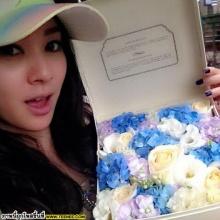 น่ารักเว่อร์ !! โฟร์ ศกลรัตน์ กับดอกไม้หวานๆ
