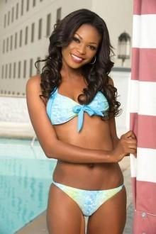 จัดเต็มกับ Miss Universe 2012 ในชุดว่ายน้ำ (3)