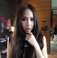 Pic : อั้ม พัชราภา สวยเริ่ดดุจนางพญา @IG